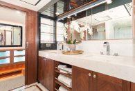 100′ 2018 Ocean Alexander Skylounge Motor Yacht