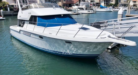 37' 1994 Carver 370 Voyager 'Wade in the Water'
