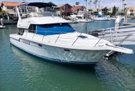 37′ 1994 Carver 370 Voyager 'Wade in the Water'