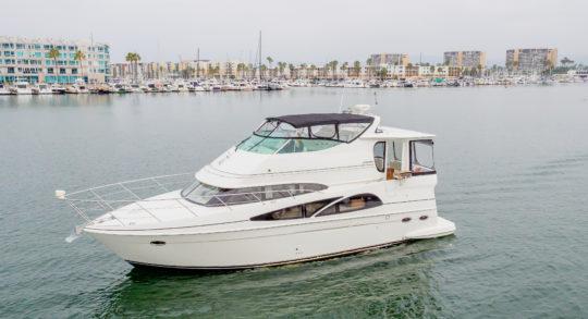 46' 2005 Carver Motor Yacht