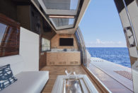 90R 2021 Ocean Alexander 90R08