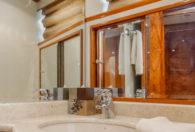 70′ 2003 Ocean Alexander 'Hotel California'