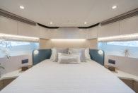 60′ 2021 Azimut Flybridge