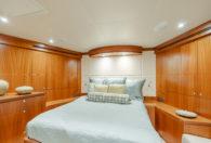 88′ 2010 Ocean Alexander Sky Lounge